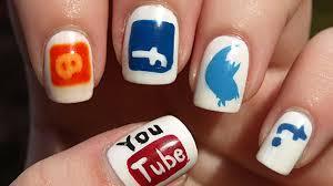 flaws-social-media-nails